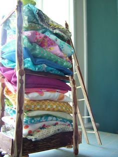 A proper Bed for a Princess made of popsicle sticks and fabric scraps / small world land