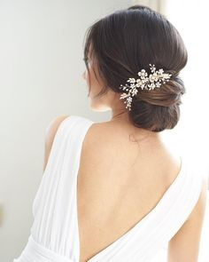 """Jasmine"" Floral Beaded Bridal Hair Comb ~ Bridal Hair Accessories and Wedding Headpieces by Hair Comes the Bride Wedding Hair Pins, Headpiece Wedding, Hairstyle Wedding, Bridal Headpieces, Wedding Shoes, Low Bun Wedding Hair, Wedding Rings, Updo Hairstyle, Wedding Veils"