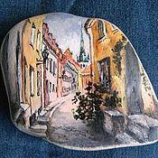 Картина на камне Улица старого города-1. Handmade.