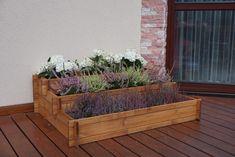 Dřevěný květináč pro
