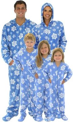 SleepytimePjs Family Matching Holiday Blue Snowflake Fleece Onesie PJs Footed Pajamas for the Family - Sleepy Heads Family Pjs, Matching Family Pajamas, Family Outfits, Satin Pyjama Set, Pajama Set, Pajamas For Teens, Cozy Pajamas, Holiday Pajamas, Womens Pyjama Sets