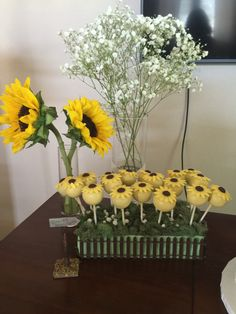 Sunflower Cake Pops #pixiegardenparty