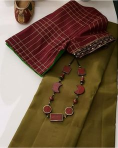 Cotton Saree Designs, Pattu Saree Blouse Designs, Half Saree Designs, Blouse Designs Silk, Blouse Patterns, Trendy Sarees, Fancy Sarees, Saree Accessories, Saree Styles
