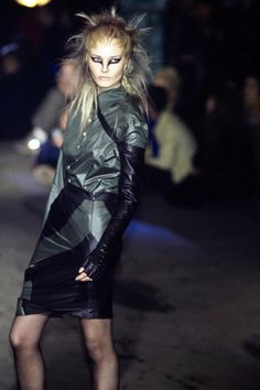 Alexander McQueen Fall 1997 Ready-to-Wear Fashion Show