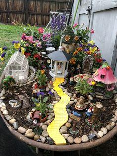 Kids Fairy Garden, Indoor Fairy Gardens, Fairy Garden Houses, Gnome Garden, Miniature Fairy Gardens, Fairies Garden, Fairy Gardening, Indoor Gardening, Container Gardening