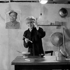 Posed portrait of David Sylvian from Japan holding chopsticks during the Tin Drum album photo session in November A poster of Chairman Mao hangs on the wall behind him. Get premium, high resolution news photos at Getty Images 80s Music, Music Icon, David, Drum Cover, New Romantics, Japan, Post Punk, Most Beautiful Man, Stock Pictures