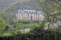 A Couple Bought An Abandoned 18th Century French Chateau. This Is What They Found Inside 15 - https://www.facebook.com/diplyofficial