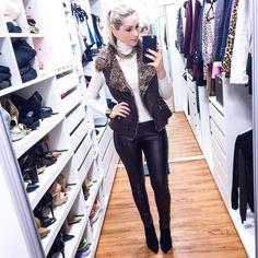 Sexta linda   merece look lindo  Sou APAIXONADA pela minha calça @annakareninaoficial ... Tipo assim não tiro mais!!!!  #lookdodia #ootd #sextalinda #looklindo #instablogger #instablog #instalook #fashionlook