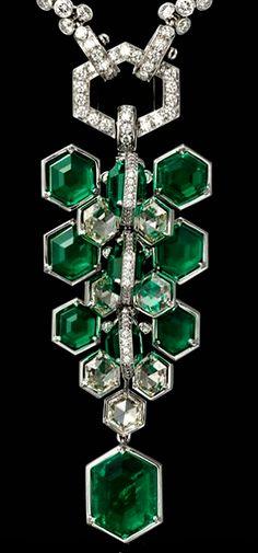 Cartier Art Deco Emerald and Diamond Necklace Diy Jewelry Necklace, Art Deco Necklace, Fashion Jewelry Necklaces, High Jewelry, Heart Jewelry, Emerald Jewelry, Gemstone Jewelry, Green Diamond, Emerald Diamond