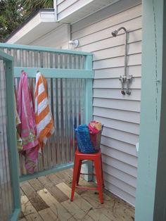 Et si vous installiez une douche dans le jardin ! - Floriane Lemarié