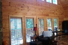 Golden Light, Morning Birdsong... - vacation rental in Pigeon Forge, Tennessee. View more: #PigeonForgeTennesseeVacationRentals