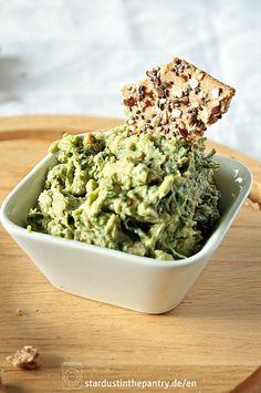 Schnell gemachter veganer Bärlauchaufstrich mit Avocado!