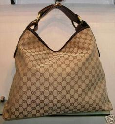 Old time favourite Gucci Horsebit Hobo Bag Hobo Purses, Gucci Purses, Gucci Handbags, Hobo Handbags, Luxury Handbags, Purses And Handbags, Designer Handbags, Shoulder Handbags, Vegan Purses