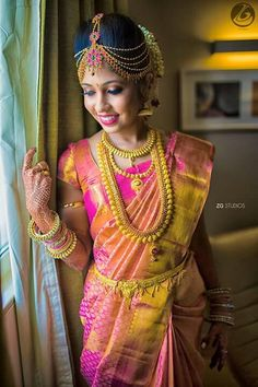 Traditional Southern Indian bride wearing bridal silk saree, jewellery and hairstyle. Braid with fresh flowers. South Indian Weddings, South Indian Bride, Kerala Bride, Indian Wedding Jewelry, Indian Bridal, Bridal Jewellery, Saree Jewellery, Bridal Silk Saree, Saree Wedding