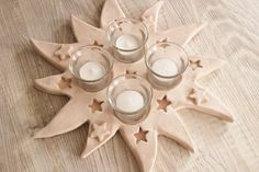 Adventskranz Advent Weihnachtsdeko Keramikstern - Hobbies paining body for kids and adult Clay Christmas Decorations, Christmas Clay, Star Decorations, Christmas Angels, Diy Christmas Gifts, Christmas Ornaments, Pottery Workshop, Pottery Studio, Hand Built Pottery