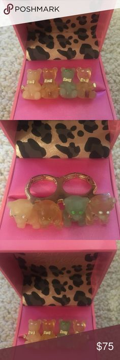 Betsey Johnson gummy bear ring Pastel quad Betsey Johnson ring with two finger slot that is adjustable  Comes with the pink box! Vintage impossible to find piece!  Collectors item Betsey Johnson Jewelry Rings