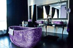 Amethyst batthub and sink