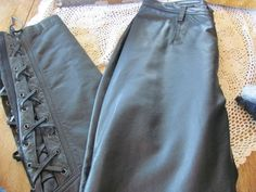 HARLEY DAVIDSON LEATHER/SPANDEX RIDING PANTS