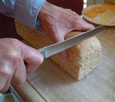 Vroeger moest je het brood zelf snijden