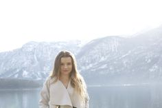 Hallstatt travel post on www.andreamurasan.com  #blog #blogpost #ontheblog #andreamurasan #travel #fashion #outfit Travel Fashion, Mountains, City, Outfit, Nature, Blog, Outdoor, Outfits, Outdoors