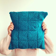 Crochet cushion by sweet Sharna
