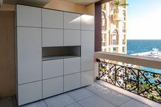 Terrassenschrank @_win, wetterfest, UV-beständig by design@garten  Projekt in Monaco #Terrassenschrank #Gartenschrank