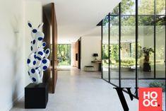 Karaktervolle villa in groene rand rond Antwerpen - Hoog ■ Exclusieve woon- en tuin inspiratie. Interior Lighting, Luxury Interior, Interior Architecture, Interior Design, Entrance Design, Modern Country, Home Look, Luxury Living, Bungalow