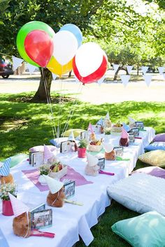 Planning a party both sweet and cuddly? Kara's Party Ideas presents a Sunny Teddy Bear Picnic Birthday Party that is filled with both! Picnic Birthday, Outdoor Birthday, Garden Birthday, Tea Party Birthday, Birthday Party Themes, 2nd Birthday, Birthday Stuff, Birthday Ideas, Teddy Bear Party