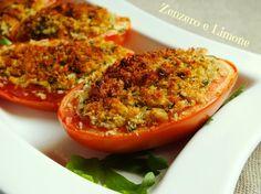 I pomodori ripieni al forno sono un contorno davvero appetitoso, reso ancora più invitante dalla croccante crosticina che si forma in cottura.