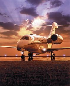The Cessna Citation X is a long-range medium business jet aircraft. The Citation X is powered by two Rolls-Royce turbofan engines and is built by the Cessna Aircraft Company in Wichita, Kansas. Luxury Jets, Luxury Private Jets, Private Plane, Avion Jet, Jet Privé, Private Flights, Civil Aviation, Jet Plane, Prison