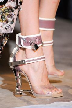 DSquared2 Fall 2014 RTW...........Locked up around the ankle. Oh No. can't bear the thought right now. Broken ankle.......
