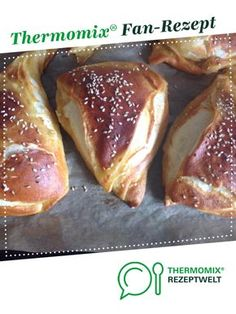 Lye corners by A Thermomix ® recipe from the Bread & Buns category at www.de, the Thermomix ® Community. Lye corners by A Thermomix ® recipe from the Bread & Buns category at www.de, the Thermomix ® Community. Sandwiches For Lunch, Sandwich Recipes, Lunch Recipes, Breakfast Recipes, Lunch Snacks, French Toast Bake, French Toast Casserole, Bread Bun, Bread Rolls