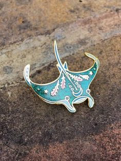 Awesome PEACHish manta ray enamel lapel pin - Women's Jewelry and Accessories-Women Fashion Accessoires Divers, Jacket Pins, Geek Fashion, Gothic Fashion, Cool Pins, Manta Ray, Metal Pins, Pin And Patches, Pin Badges
