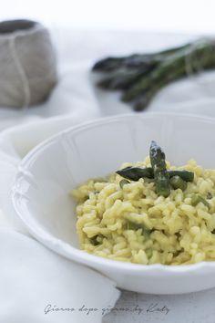 risotto allo zafferano con asparagi Gnocchi, Pesto, Ethnic Recipes, Food, Essen, Yemek, Meals