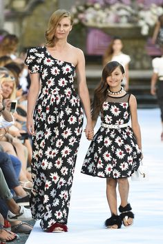 """""""Mommy and I walk the runway, so that the buyers can order these matching clothes. Mom And Baby Dresses, Girls Maxi Dresses, Mommy And Me Outfits, Family Outfits, Kids Outfits, Fashion Dresses, Mother Daughter Pictures, Mother Daughter Matching Outfits, Mother Daughter Fashion"""
