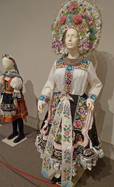 Moravian Wedding Kroj and Girls Costume Folk Costume, Girl Costumes, Folk Clothing, Ethnic Outfits, Folk Embroidery, Traditional Dresses, Traditional Fashion, Wedding Attire, Wedding Dress