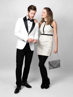 Damit der Partnerlook nicht lächerlich wirkt, wählt schlichte und klassischeFarben, wie Schwarz, Weiß, Creme oder Dunkelblau.Wir finden, das sind zwei super Outfits!