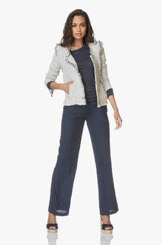 Kleding | Perfectly Basics Vans, Suits, Fashion, Outfits, Fashion Styles, Suit, Men's Suits, Van, Fashion Illustrations