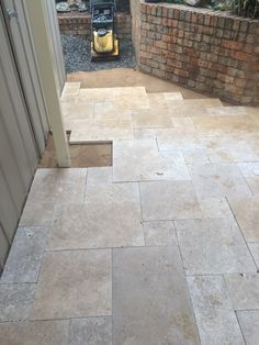Attractive Laying French Pattern Travertine