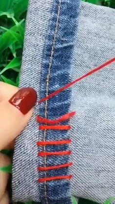 Outstanding 100 sewing hacks projects are available on our web pages. Read more and you wont be sorry you did. Sewing Hacks, Sewing Crafts, Sewing Projects, Sewing Tips, Diy Projects Videos, Hacks Videos, Techniques Couture, Sewing Techniques, Overhand Knot