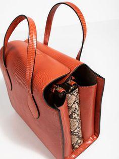 Bolso De Asa Corta Dark Shadow, Naranja Fashion, Wings, Totes, Orange, Moda, La Mode, Fasion, Fashion Models, Trendy Fashion