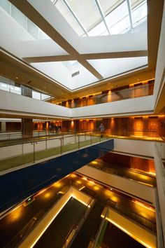 West Taihu International Business Plaza / LAB Architecture Studio + SIADR - China : From the architect. This competition winning design proposal for a new city government office complex in Xitaihu New Town incorporates a 5 star hotel with full conference and meeting capability together with a range of restaurant and support facilities.