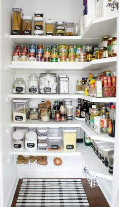 Wonderful 35 Ways to Help Get Your Kitchen Organized and Look More Beautiful Pantry organizers come in a variety of shapes, sizes, and functions. Your pantry is basically a filing system - for food! So whatever pantry organization system. Kitchen Pantry Design, Kitchen Pantry Cabinets, Interior Design Kitchen, New Kitchen, Kitchen Decor, Small Kitchen Pantry, Kitchen Ideas, Eclectic Kitchen, Kitchen Designs