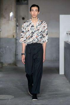 Lemaire Spring-Summer 2018   Paris Fashion Week