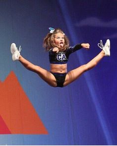 California Allstars toe touch basket at the Summit 2014 Cheer Jumps, Cheerleading Jumps, Cheer Stunts, Cheer Funny, Gymnastics Flexibility, Cheer Poses, All Star Cheer, Yoga Mom, Hot Cheerleaders