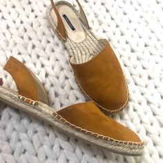 Shop Women's Zara Yellow size 9 Sandals at a discounted price at Poshmark. Description: Worn once. Zara Sandals, Zara Shoes, Women's Shoes Sandals, Espadrilles, Yellow, Color, Fashion, Espadrilles Outfit, Moda