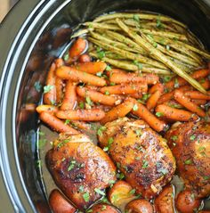 22 Hearty Fall Slow-Cooker Recipes You'll never believe this honey garlic chicken and veggies was made in a slow cooker. More from my site Slow Cooker Honey Garlic Chicken With Veggies Healthy Slow Cooker, Crock Pot Slow Cooker, Crock Pot Cooking, Cooking Recipes, Lunch Recipes, Healthy Crockpot Chicken Recipes, Garlic Chicken Recipes, Easiest Crockpot Recipes, Crock Pots