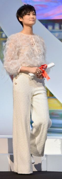 Li Yuchun appears on stage during the Closing Ceremony at the Annual Cannes Film Festival on May 2014 in Cannes, France. Cannes Film Festival 2014, Chanel Couture, Red Carpet, Street Style, How To Wear, Image, Music, Musica, Musik