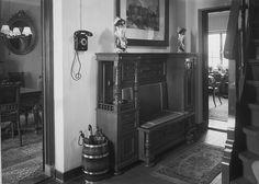 Interieur van het huis van de familie Van Dijk van de Van Heurnlaan 1 uit Vught, 11 oktober 1946.     Fotograaf: Het Zuiden  Fotonr.: 1634-005512