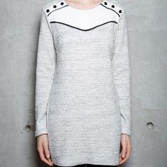 Robe ajustée en tricot. Fabriqué à Montréal. Tunic Tops, Style Inspiration, Sweaters, Fashion, Tunic, Long Dress Patterns, Tricot, Gowns, Moda